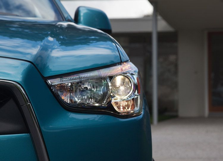 Mitsubishi spare parts in US head lamps