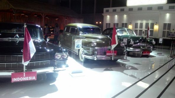 Indonesia classic car show 2